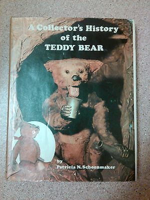 1981 collectors history of the teddy bear Patricia Schoonmaker book Hobby House