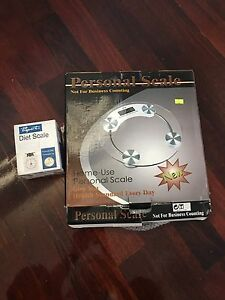 Bathroom scale and diet scale both for $10 Reservoir Darebin Area Preview