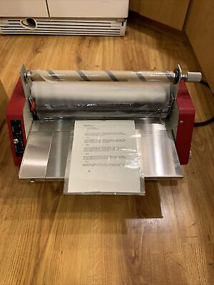 Laminex 18 Commercial 1600w Thermal Bench-top Laminator - Working