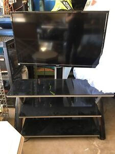 40 inch Tv with stand up