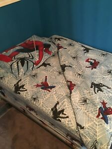 Twin flannel Spider-Man sheet set