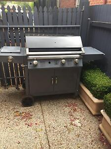 4 burner BBQ to give away Cumberland Park Mitcham Area Preview