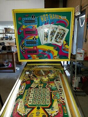 Hot Hand Pinball machine By STERN