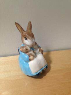 Beatrix Potter Mrs Rabbit & Bunnies