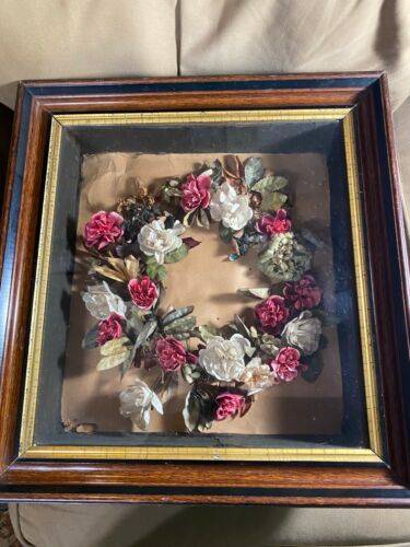 Superb Antique Victorian Mourning Red And White Floral Wreath In Shadowbox Case