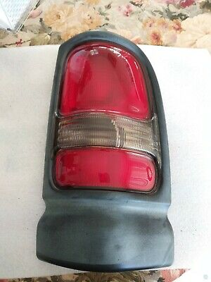 Set of 2 Tail Light For 97-2001 Dodge Ram 1500 ST LH & RH