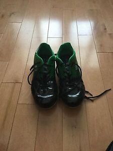 Rawlings Size 8 Soccer Cleats- Green