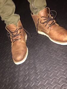 2 pairs of leather boots in great condition (75$ each pair!!)