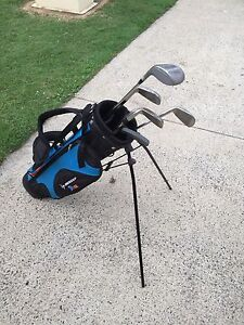 Junior golf bag and clubs Windaroo Logan Area Preview