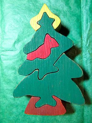 CHRISTMAS TREE w/RED BIRD & STAR 6-PIECE WOOD JIGSAW PUZZLE ORNAMENT
