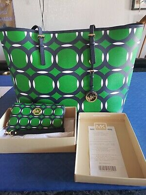 Michael kors Handbag and matching Wallet