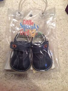 'Little squeaky feet' leather shoes sz 3