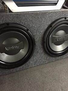 ^** 1000 WATTS INFINITY AMP & SUBS IN BOX!!!