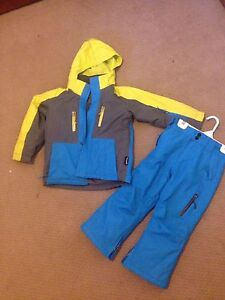 Ski / snowboard jacket and pants - kids size 4 Port Macquarie Port Macquarie City Preview