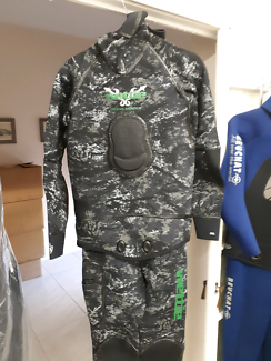 Dive/freediving wetsuits