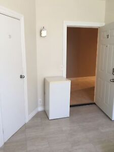 ROOM FOR RENT $350 INC WITH INTERNET - AVAILABLE JULY 1