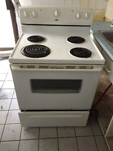Free working fridge and stove