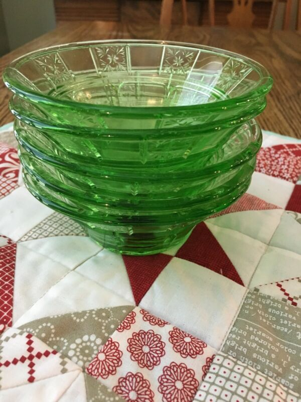 Vintage Jeannette Green Glass Doric 4 1/2 Inch Fruit Bowls  5 Total