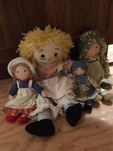 Vintage Raggedy Ann cloth dolls and others