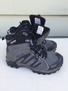 Used Baffin Hiking boots softshell waterproof men's 7