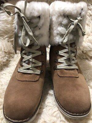 Clearance - Ever UGG - Women's lace-up  Boots - US 7- chestnut