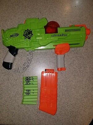 Nerf Zombie Strike Revreaper Blaster Hasbro with DARTS and Magazine / Clip TestD