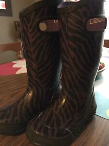 Girls size 12 Boggs