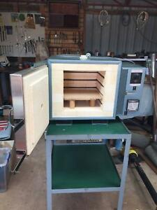 Tetlow Electric Pottery Kiln with stand