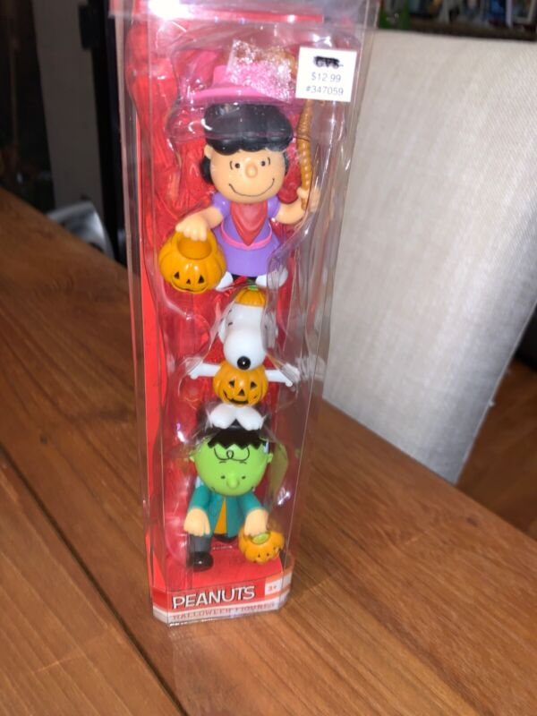 New Peanuts Halloween Figures 3 pieces Lucy, Snoopy, Charlie Brown Just Play