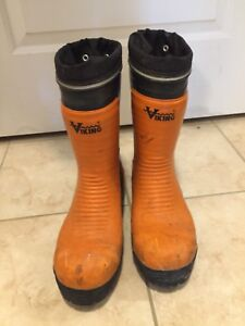 Viking Bushwacker steel toed rubber boots Size 10/10.5