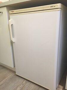 Mini Bar fridge for sale Wembley Cambridge Area Preview