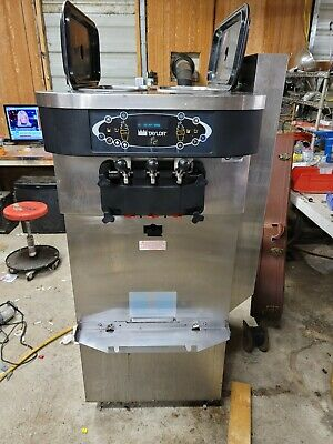 2012 Taylor C723 Soft Serve Frozen Yogurt Ice Cream Machine. 1 Ph Air Cooled