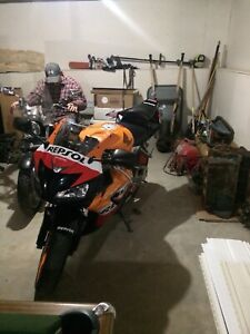 Repsol 1000rr in excellent condition trade or sell