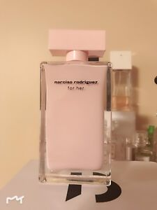 Narciso Rodriguez for her 15ml left