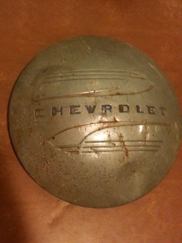 Antique Vintage Chevrolet Chevy Hubcap c. 1940s