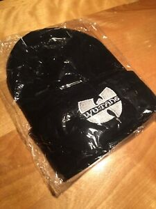 x2 Brand new wutang touques 30$ each or 50$ for both