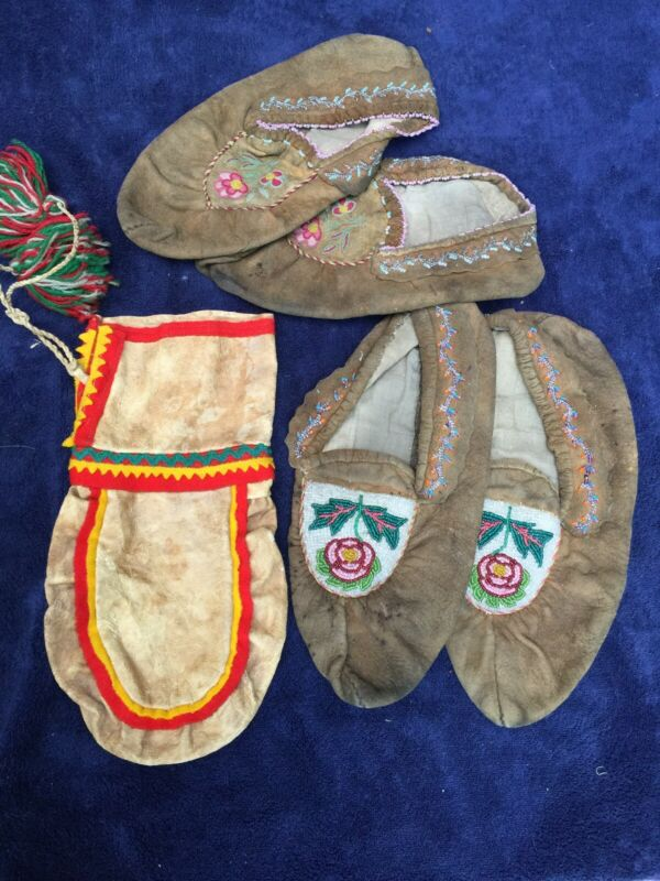 Moccasins And Bag Metis Indian Canadian Antique