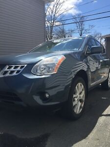 2013 AWD Fully Loaded Nissan Rogue