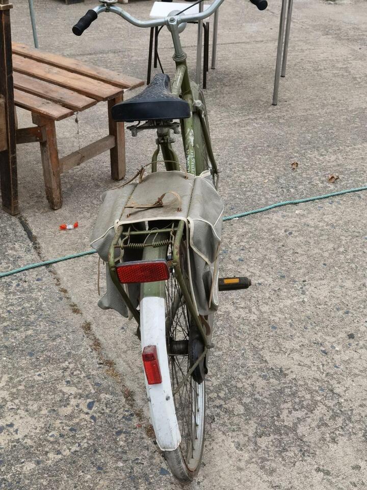 Altes dekoratives fahrbereites Holland Herren Fahrrad in Neubrandenburg
