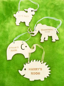 Wooden-door-hanging-plaque-childs-name-personalised-wall-sign-girls-boys-room
