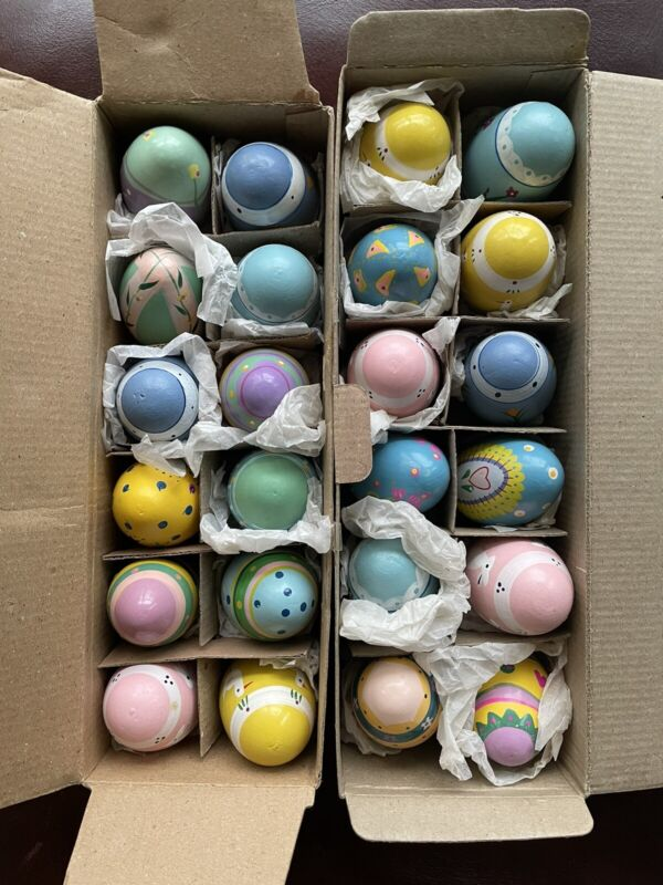 VINTAGE LILLIAN VERNON HAND PAINTED WOODEN EASTER EGGS SET OF 24