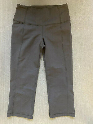 Lululemon size 6 Capri Leggings Women's NWOT