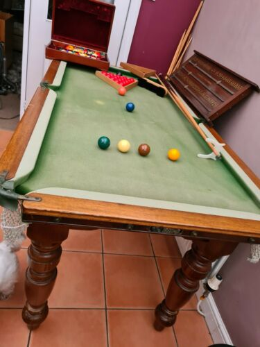 5ft by 2.5ft slate bed snooker, pool table. Needs tlc.