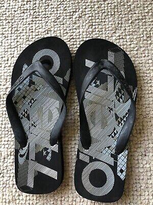 Boys O'Neill Flip Flops - Size 5 - Grey