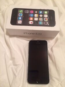 iPhone 5s 16g -Bell