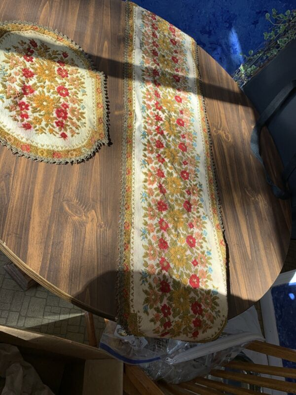 Antique Table Runner And Placement