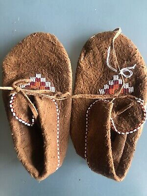 Vintage 1970s Child Mocasins Native American
