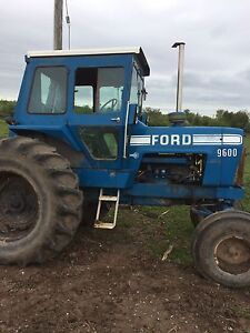 Ford 9600 tillage seeding tractor