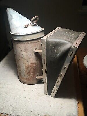 Vintage Bee Hive Smoker A. I. Root Co. W Nice Black Leather Bellows. Works