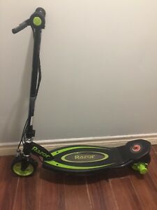 Razor electronic scooter